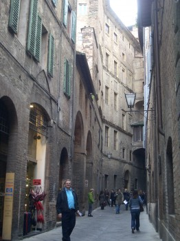 The narrow streets of Siena